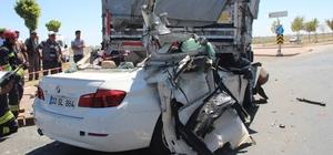 Lüks otomobil tıra ok gibi saplandı: 2 ölü, 2 ağır yaralı Konya'da lüks otomobilin tıra arkadan çarpması sonucu meydana gelen trafik kazasında aynı aileden 2 kişi öldü, 2 kişi ağır yaralandı