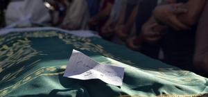 Babası tarafından boğularak öldürülen 13 yaşındaki kız ve intihar eden babası toprağa verildi Babasının boğarak öldürdüğü kız toprağa verildi Denizli'deki aile faciası
