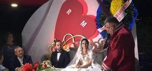 CHP milletvekilinin yeğenin nikahını Ak Partili Belediye Başkanı kıydı