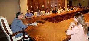 Gürcü öğrencilerden Rize Valisi Erdoğan Bektaş'a makamında ziyaret