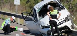 TEM Otoyolu'nda feci kaza: 2 ölü, 4 yaralı Takla atan otomobilde anne ile bebeği öldü