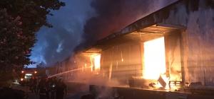 OSB içindeki dev fabrika cayır cayır yandı Sakarya Büyükşehir Belediyesi İtfaiye ekipleri yangına 20 araçla müdahale etti