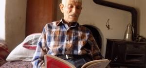 73 yaşında halk Kütüphanenin en yaşlı üyesi 73 yaşında köy evinde bir kitap aşığı Halk kütüphanelerinin halka açık olduğunu 70 yaşında öğrendi