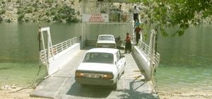 Fırat Nehri'nde feribot taşımacılığına ilgi