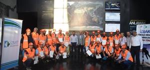 İzmit Belediyesi Gönüllü Arama Kurtarma ekibi sertifikalarını aldı