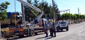 Şuhut'ta yer altı kablo düzenleme çalışmaları devam ediyor