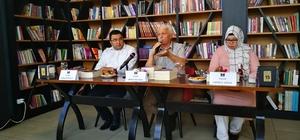 Çınarlı kitap Kafe'de yazarların söyleşi