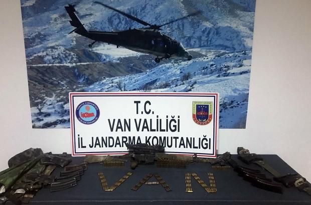 Van'da biri sağ 2 terörist ele geçirildi Ağaca çıkarak saklanan terörist sağ olarak yakalandı