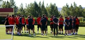 """Ertuğrul Sağlam: """"Lige kazanarak başlamak çok önemliydi"""" Kayserispor Teknik Direktörü Ertuğrul Sağlam: """"Geleceğe umutlu bakabilmek için Bursaspor maçını iyi geçmek zorundayız"""""""