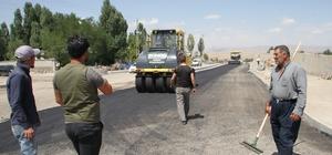 Malazgirt'te sıcak asfalt çalışması