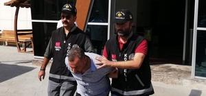 """""""Kocaeli Valisiyim"""" diyerek 100 bin TL dolandırdı Sahte Kocaeli valisi, polis ekiplerinden kaçamadı Sahte vali ve yardımcısı adliyeye sevk edildi"""
