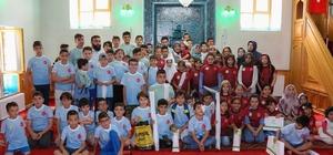 Başkan Toru, Kur'an kursu öğrencilerini sevindirdi