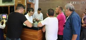 """Nevşehir'de Türk Lirası sıkıntısı yaşanıyor Nevşehir'de vatandaşlar döviz bürolarına akın ediyor Uzer Döviz Genel Müdürü Nurullah Uzer: """"Doların 5,50 liraya düşmesini bekliyoruz"""""""