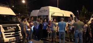 Adana'da 50 Suriyeli göçmen yakalandı Türkiye'de İdlib'den geldiği tahmin edilen 50 Suriyeli göçmen Adana'da yakalandı