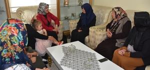 Bayan Çolakbayrakdar yeni Kocasinanlıları ziyarete devam ediyor
