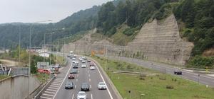 Bolu Dağında trafik durma noktasına geldi Tatilciler yollara döküldü trafik kilitlendi