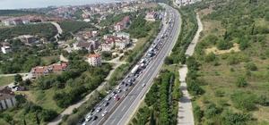 TEM'de trafik durma noktasına geldi Yaşanan yoğun trafik havadan görüntülendi