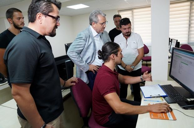 EÜ'ye 3 milyon dolarlık sanal fabrika Ege Üniversitesi'ne 3 milyon dolarlık programla sanal fabrika kuruluyor Dijital ve karanlık fabrikalar için öğrenci yetiştirilecek
