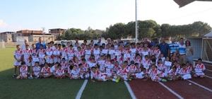 Adaspor Yaz Futbol Okulu sona erdi