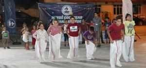 Pamukkale'de çocuklara bayram şenliği