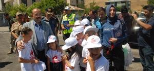 Bu bayram kazalara çocuklar engel olacak Bitlis Emniyet Müdürlüğü tarafından 'Kırmızı Düdük' uygulaması yapıldı