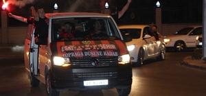Eskişehirspor şampiyon gibi uğurlandı Taraftarlar Eskişehirspor'u yalnız bırakmadı
