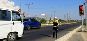 Muğla'da trafiği rahatlatan uygulama Ramazan bayramında Menteşe-Gökova kavşağı arasında yaşanan uzun kuyruklar bu bayramda alınan tedbirler ile yaşanmadı.