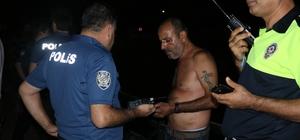 Otomobiliyle kanala düşen sürücü polisten kaçmaya çalıştı