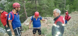 Kanyonda mahsur kalan baba-oğul kurtarıldı