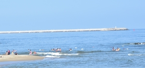 Karasu'da denize girme yasağı kalktı Denizde oluşan renk değişiminin akıntıdan kaynaklandığı ortaya çıktı