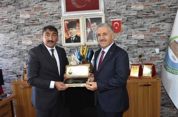 Başkan Uray, Susuz'un anahtarını Arslan'a verdi