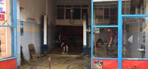 Kaynarca'daki selde 104 iş yeri, 38 konut, 5 kamu binası ve 56 araç hasar gördü