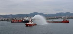 """Kocaeli Bölgesi Deniz Kirliliğine Acil Müdahale Tatbikatı nefes kesti Bakanlar Kurum ve Turhan tatbikatı yakından takip etti Çevre ve Şehircilik Bakanı Murat Kurum: """"39 bin adet teknemizi mavi kart sistemine geçirdik"""" Ulaştırma ve Altyapı Bakanı Mehmet Cahit Turhan: """"Tek bir deniz resminin oluşturulduğu Gemi Trafik Merkezi'nin kurulumu tamamlandı"""""""