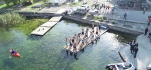 Başkan Dişli ve SAÜ BESYO hocaları Sapanca Gölü yüzerek karşıya geçti