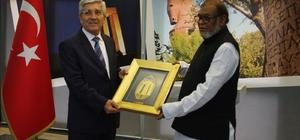 Bangladeş Kurtuluş Savaşı İşleri Bakanı Mozammel Huq'dan Çanakkale Valiliği'ne ziyaret