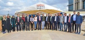 Rektör Karakaya, öğrenci topluluklarının kermesini gezdi