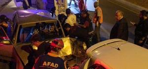 Hızını alamayan sürücü otomobile çarptı: 2 yaralı 3 aracın karıştığı zincirleme kazada 2 kişi yaralandı
