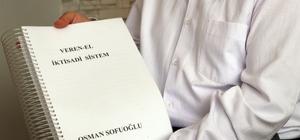 """Araştırmacı-Yazar Sofuoğlu: """"Başarısız bir değişim aracı olan 'Paraya Hayır'"""" Osman Sofuoğlu, 22 yıldır parasız bir hayatın devam edebileceğini iddia ediyor Sofuoğlu parasız bir hayat için 539 sayfalık kitap yazdı"""