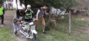 Motosikletle tehlike saçan sürücülere ceza yağdı Yakalanmamak için motosikletini yatak odasına sakladı
