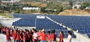Öğrenciler Alanya Belediyesi Güneş Enerjisi Santrali'ni ziyaret etti
