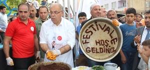 Adıyaman'da acı en tatlı halini aldı Çiğ köftenin tescilini alan Adıyaman'da Çiğ Köfte Festivali düzenlendi