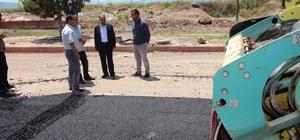 Beyşehir'de sıcak asfalt çalışmaları sürüyor