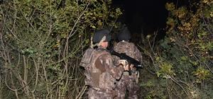 """Bursa'da """"Çökertme 2"""" harekatı Özel harekat polisi ormanlık alanı didik didik aradı Bursa polisi, İl Emniyet Müdürü Osman Akın da katıldığı uygulama ile uyuşturucu tacirlerine geçit vermedi"""