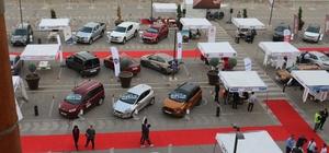 Auto Show kapılarını açtı Kahramanmaraş'ta otomobil tutkunları Piazza' da buluştu
