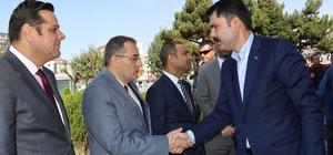 """Bakan Kurum: """"Dimdik ayaktayız"""" Çevre ve Şehircilik Bakanı Murat Kurum: """"Bu savaşa karşı net bir şekilde cevabımızı verdik ve yine kazanamadılar"""" """"Fahiş fiyat artışları varsa eğer, bu artışlarla ilgili gerekli cezai işlemi yapıyor olacağız"""""""