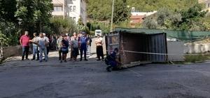 Kontrolden çıkan kamyon yayalara daldı: 3 yaralı