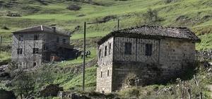 Santa Antik Kentindeki o görüntü artık yok Tuğlayla yapılan bina doğal taşla kaplandı