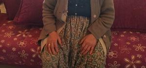 Hırsızlık zanlısı evine girdiği yaşlı kadına saldırdı Yaşlı kadını çığlıklarını duyup koşan komşuları kurtardı