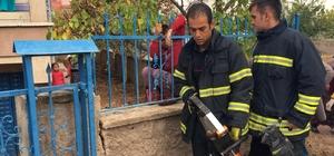 Koluna demir parmaklık saplanan çocuk kurtarıldı
