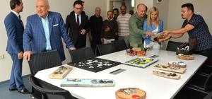 Sanatçılar Engelsiz Mesleki Eğitim Merkezi'ne hayran kaldı